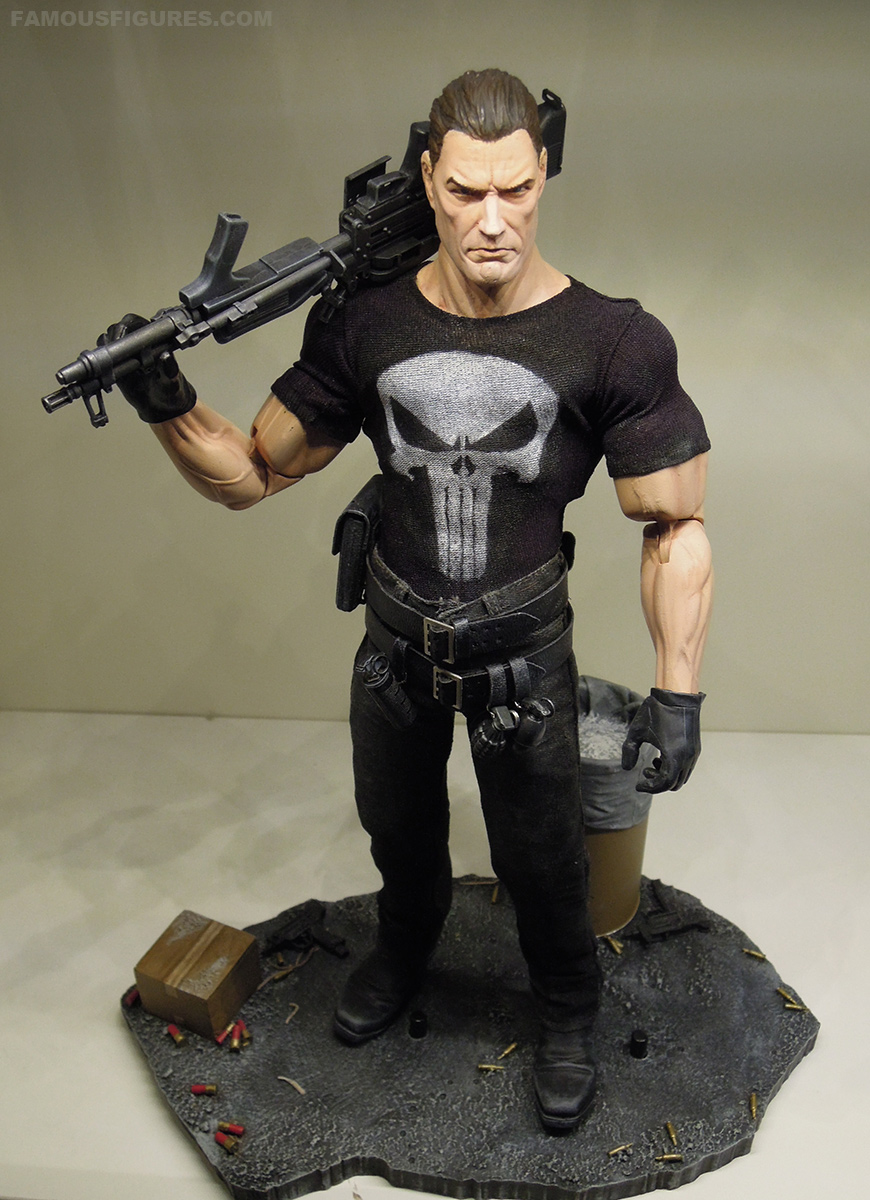 punisher_12_figure_top