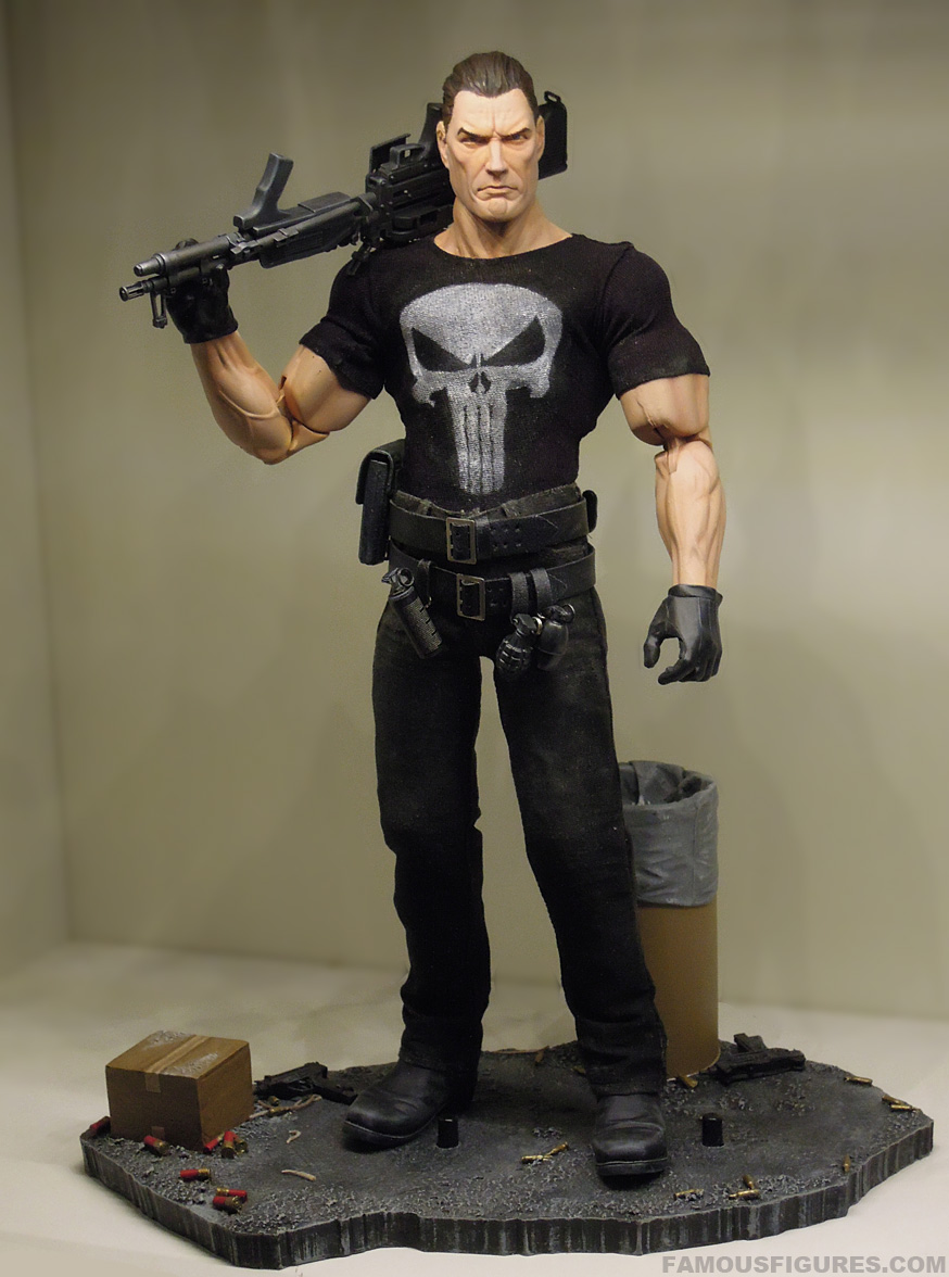 punisher_12_figure_front