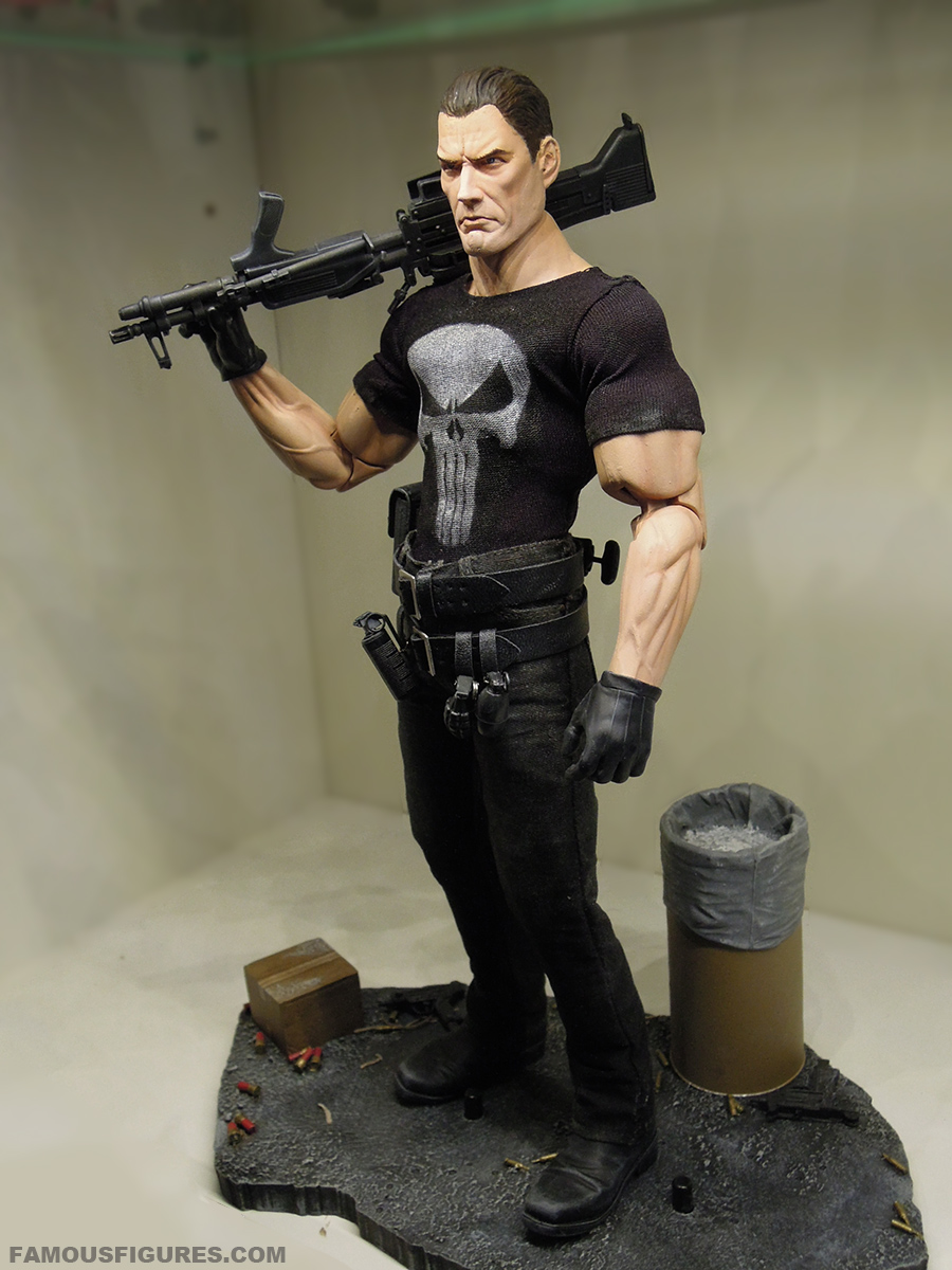 punisher_12_figure_left